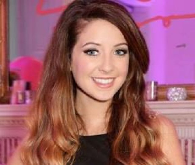 Youtube Star Zoella Strips Off For Sexy Bed Time Snap In Her Knickers Https