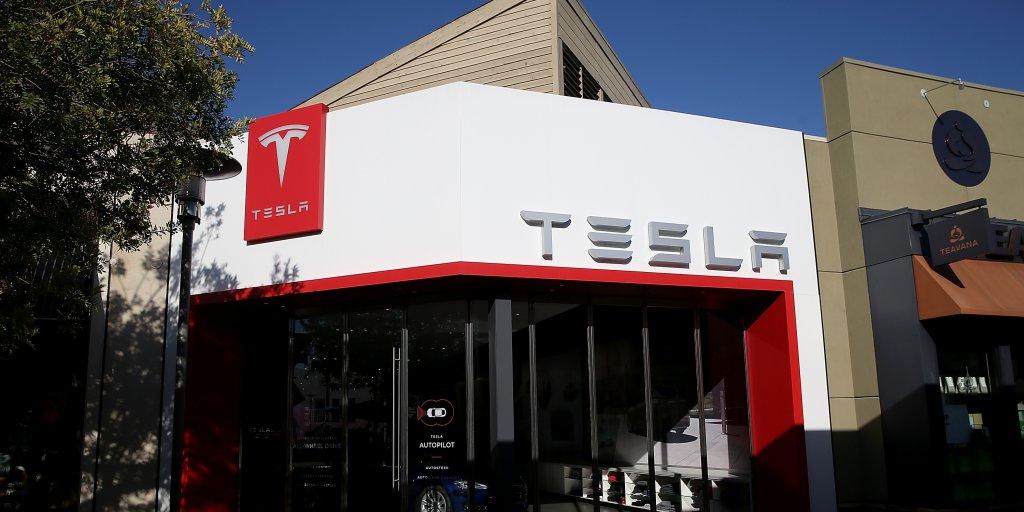 Tesla raises nearly $1.5 billion in fresh capital