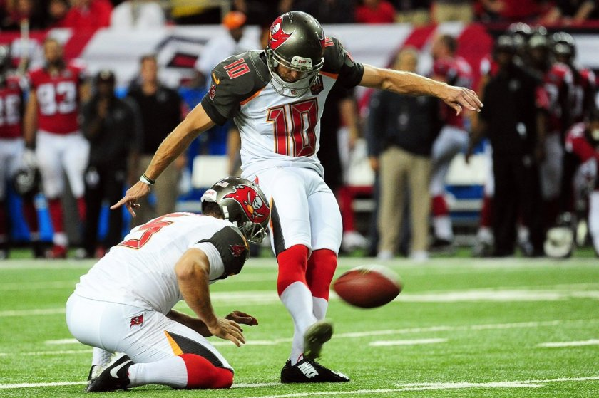 .@Saints are reportedly signing former @TBBuccaneers kicker Connor Barth.