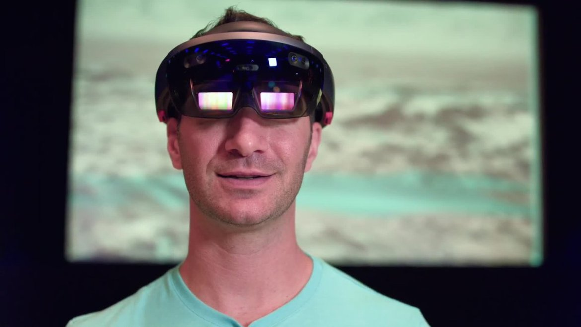 Watch our own @brentrose take a HoloLens tour of Mars with NASA scientists