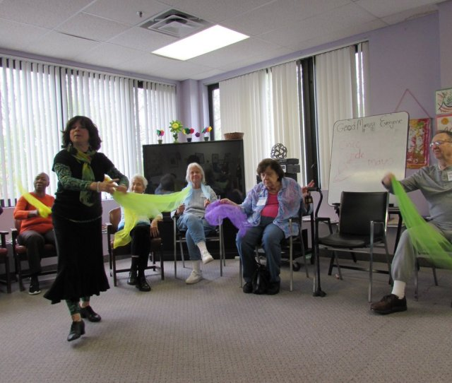 Mowrockland On Twitter Certified Dance Therapist Susan Lust Leads A Afa Funded Therapeutic Dance Program At Adult Day Care Of Rockland