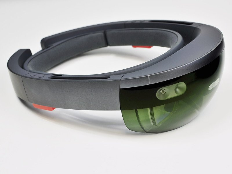 Here's how Microsoft HoloLens could be used by the military on the battlefield