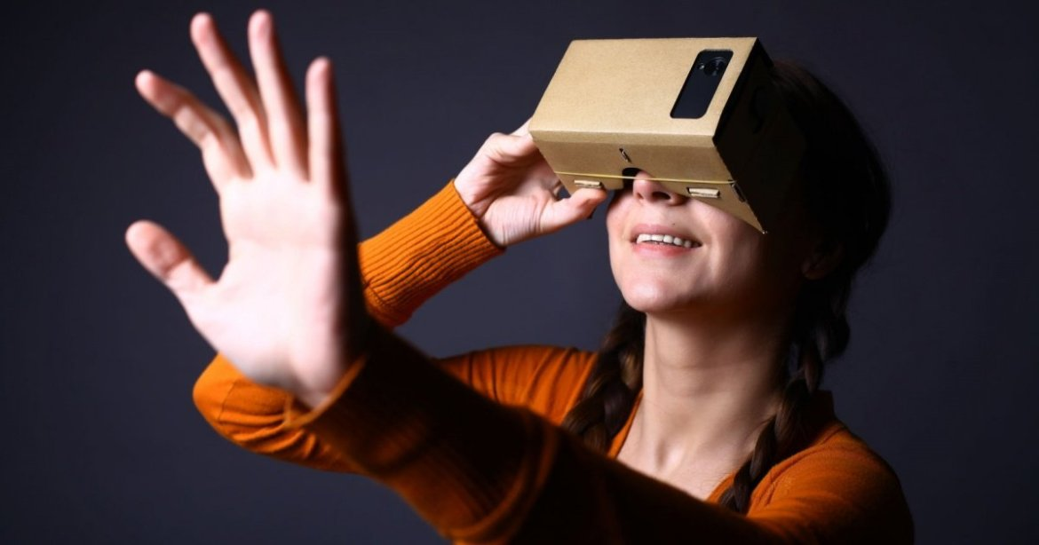 Experience #VR on the cheap! @Google is finally selling Cardboard outside the US