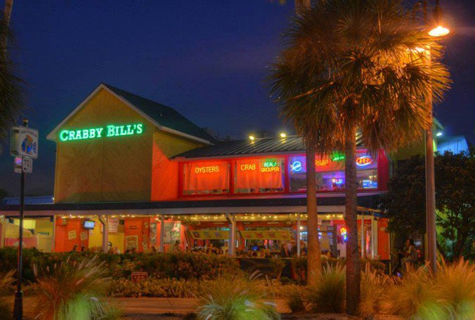 .@CrabbyBills in Clearwater Beach is closing for demolition. It will reopen in March 2017.