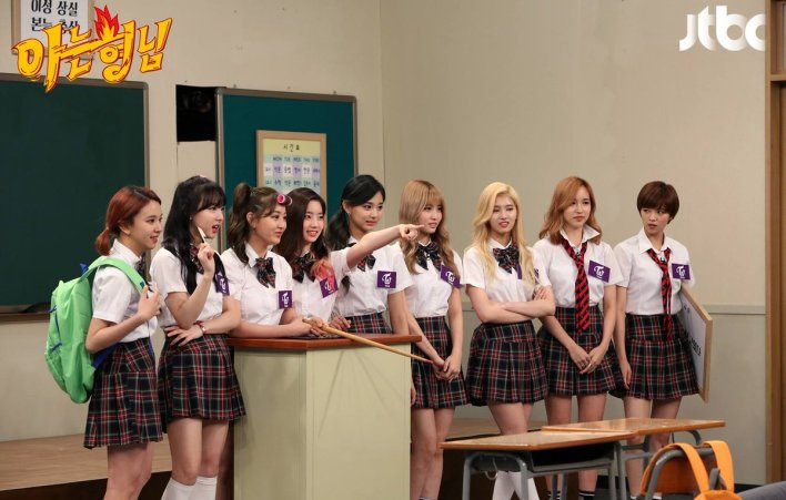 """TEAM TWICE #TWICEofOctober on Twitter: """"[PIC] 160526 #TWICE in JTBC Knowing Brother's Facebook post https://t.co/WxG0aCyENE… """""""