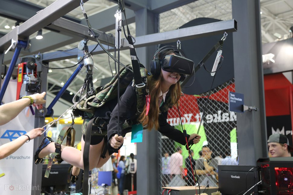 #VirtualReality  skydiving on oculus rift is amazing!!
