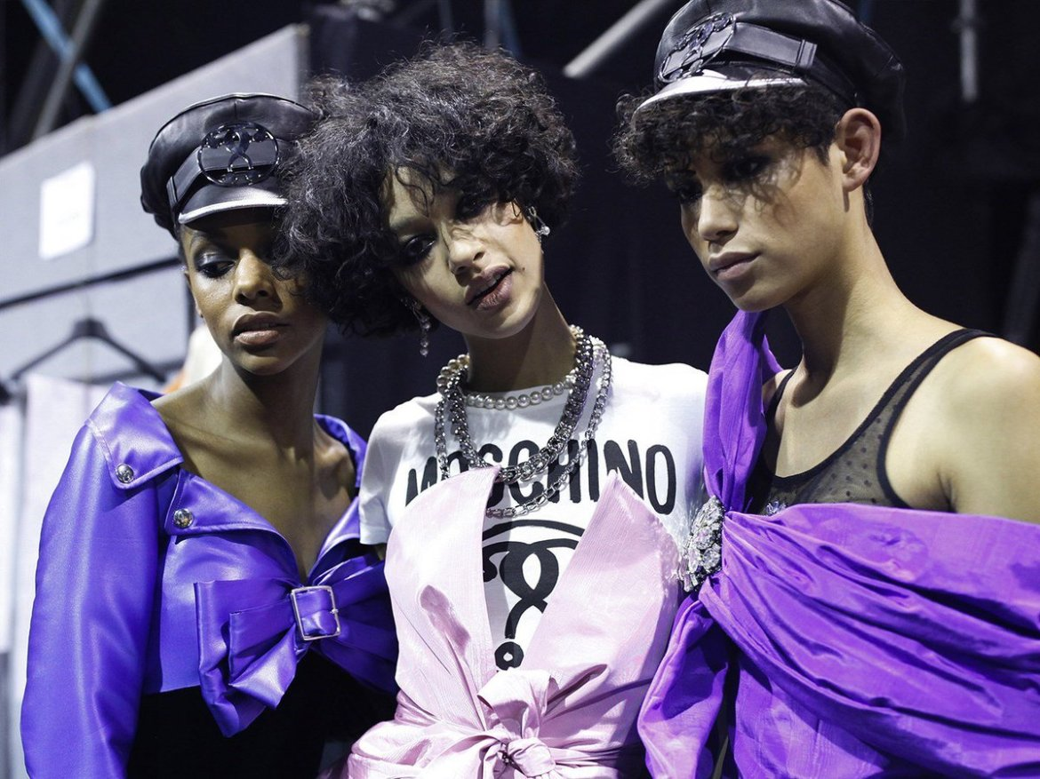 .@Moschino will stream tonight's show in virtual reality: