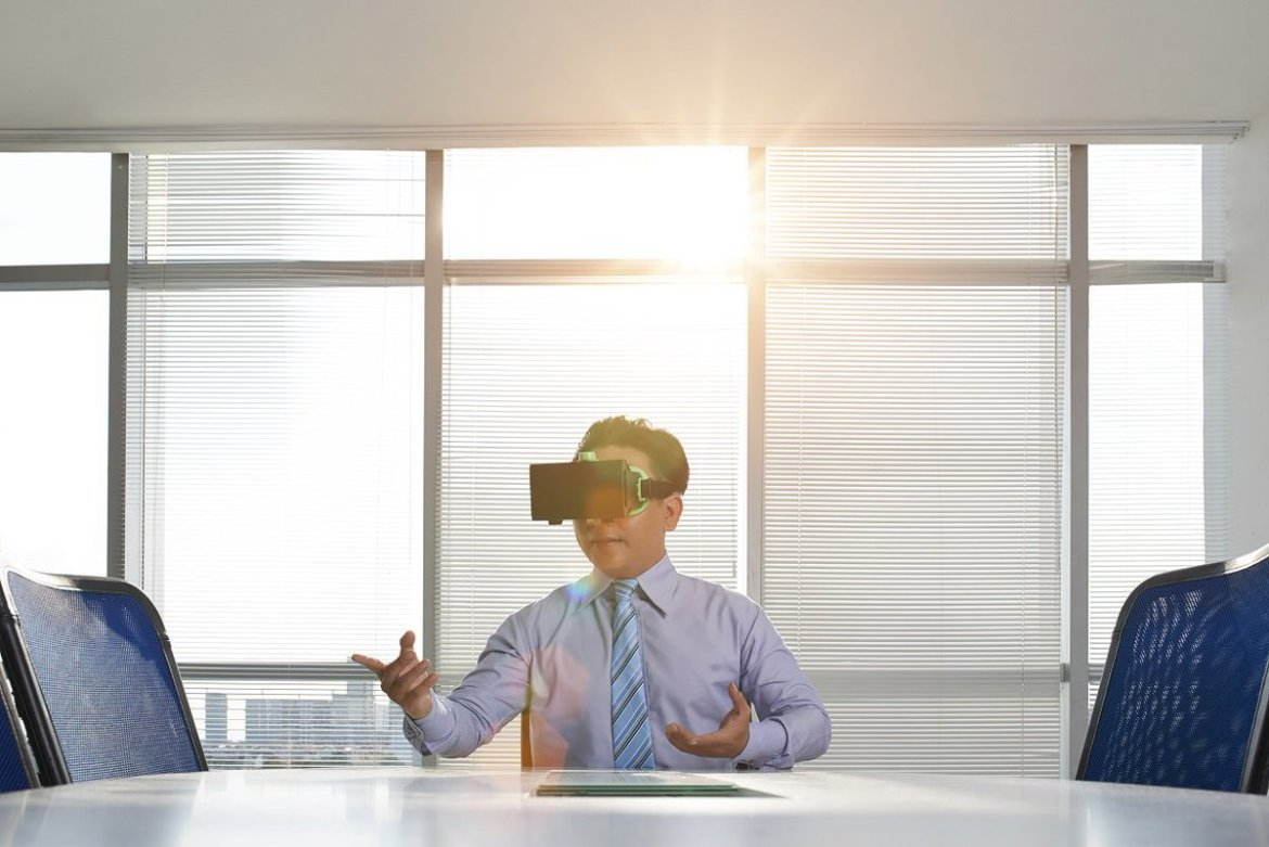 Studies show new #VR applications such as jet-lag therapy (Partner content via @IEEEXplore)