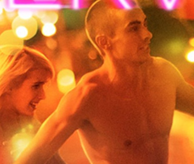 Dave Franco And Emma Roberts Strip Down For Truth Or Dare In Exclusive Playnerve Clip Scoopnest Com