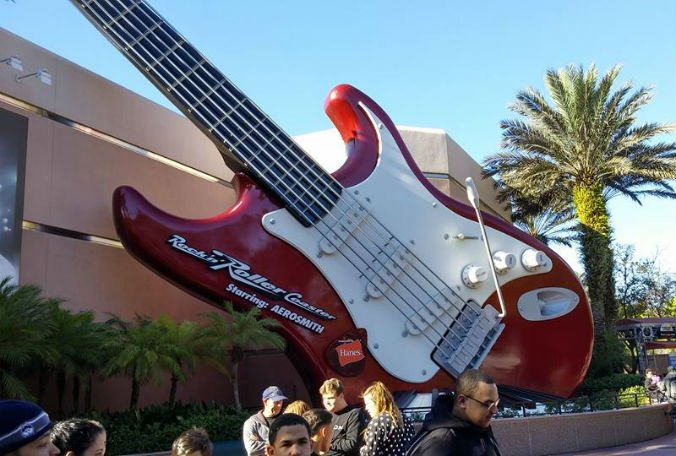 Steven Tyler spotted at #Disney's Rock n Roller Coaster. Checking out his new hand perhaps?