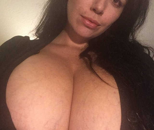 Boobglam Com On Twitter Another Great New Find Lovely Lilith Aka Lovelylilith Follow Lilith She Is Amazing Karlaclijster Mostlyboobz