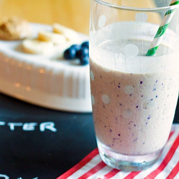 This gets my motor runnin\'! -> Peanut Butter Banana Blueberry Protein Smoothie -