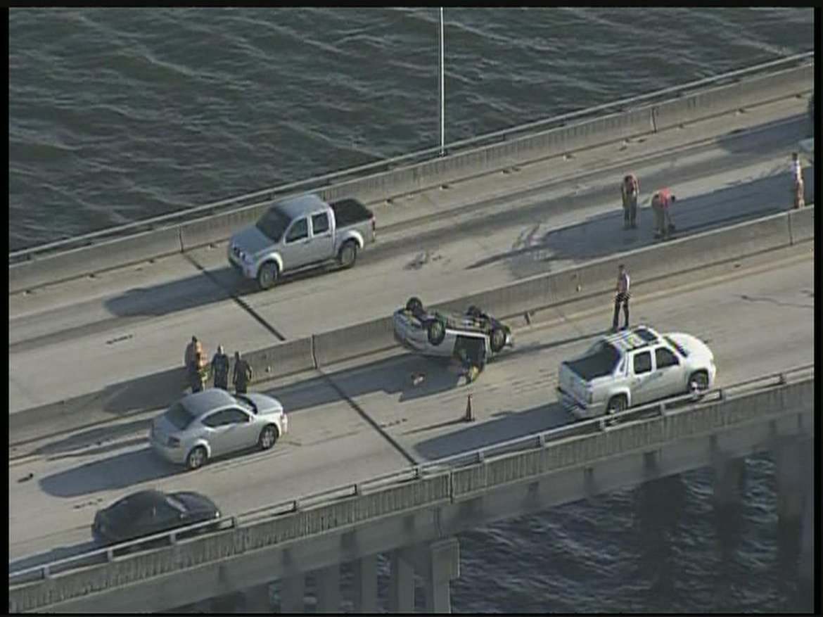 Delays remain on EB Courtney Campbell Causeway after earlier overturned vehicle crash:
