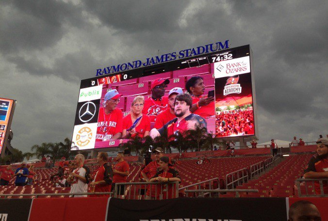 BHSN: Yes, the #Buccaneers and Redskins are going to play a football game tonight. Details: