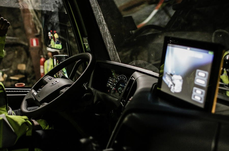 Self-driving truck moves deep underground   #IoT #Tech #Volvo