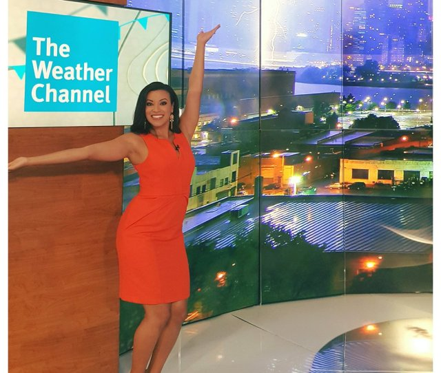 Liana Brackett On Twitter I Am So Unbelievably Excited To Officially Announce My New Job As An On Camera Meteorologist At The Weather Channel