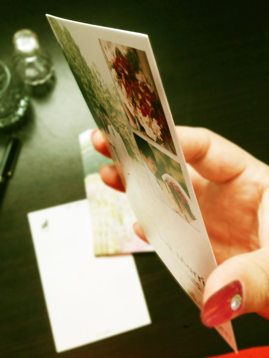 test ツイッターメディア - フォトカ。はしっかり厚手で美発色♥私製はがきは10枚で1100円、年賀はがきだと10枚1600円です。平日の正午までにご注文(ご入金)の場合、即日発送いたします♥ #結婚報告はがき #引越報告はがき #出産報告はがき #アプリ  https://t.co/2L4fAOussE