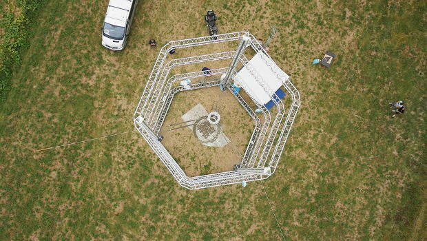 This giant 3-D printer prints entire houses: #3dprinting #BigData