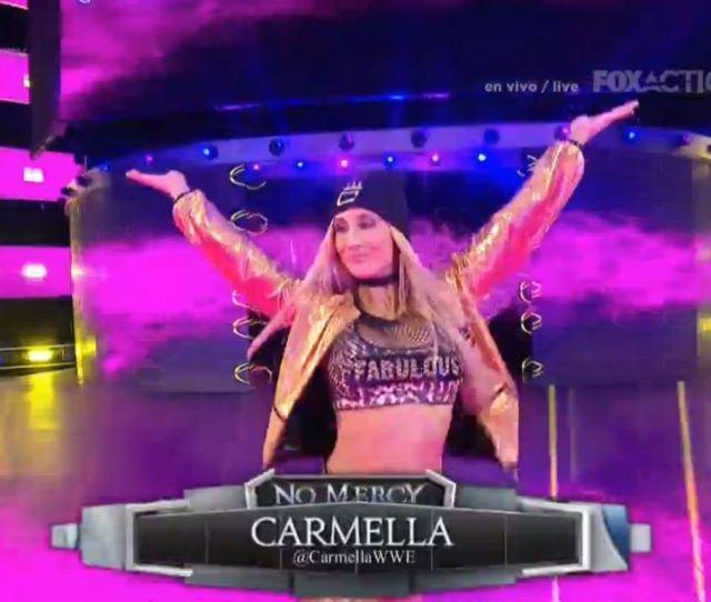 Mucho Odio Wwexfox Nikki Bella Choca Con Carmella Bing Ve El Espectaculo En Nuestra