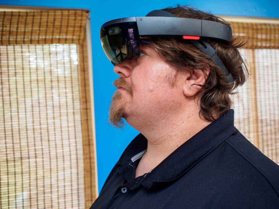 Six new countries around the world can get their HoloLens on from this November!