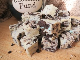 New post. Mint Oreo and white chocolate fudge!