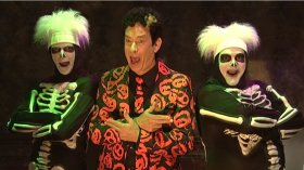 With this DIY DavidPumpkins costume, all you'll need are two skeleton backup dancers
