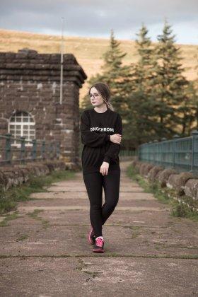The Monochrom Slogan Sweatshirt OOTDfbloggers thegirlgang monochrome FemaleBlogger/