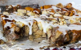 Cinnamon Roll Bread Pudding [Vegan]