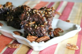 Pecan Pie Brownies!! NOM!