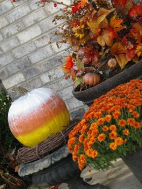 Candy Corn pumpkins are not as easy as they look! FallDecor DIY