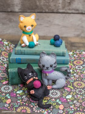 These felt kitty cats simply irresistible. Full tutorial here - tutorial craft felt