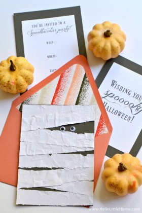 These DIY Mummy Cards are a fun + easy last-minute Halloween project! crafts