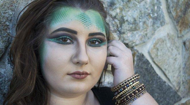 Follow Our Diy Snake Makeup Tutorial