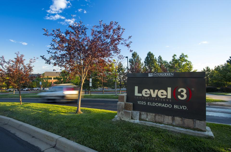 CenturyLink will buy Level 3 Communications for $34 billion