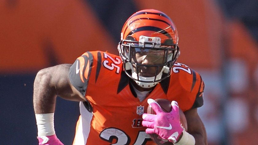 .@Bengals place RB Giovani Bernard on IR with an ACL tear.