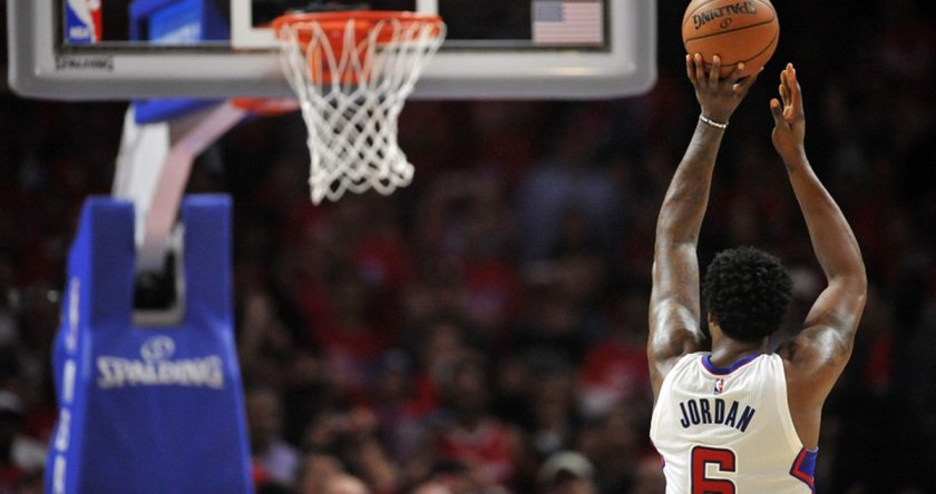 Report: Clippers exploring using virtual reality to fix DeAndre Jordan's FT woes.