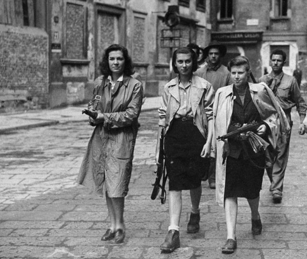 "Alex Steffen on Twitter: ""French Resistance fighter Simone Segouin ..."