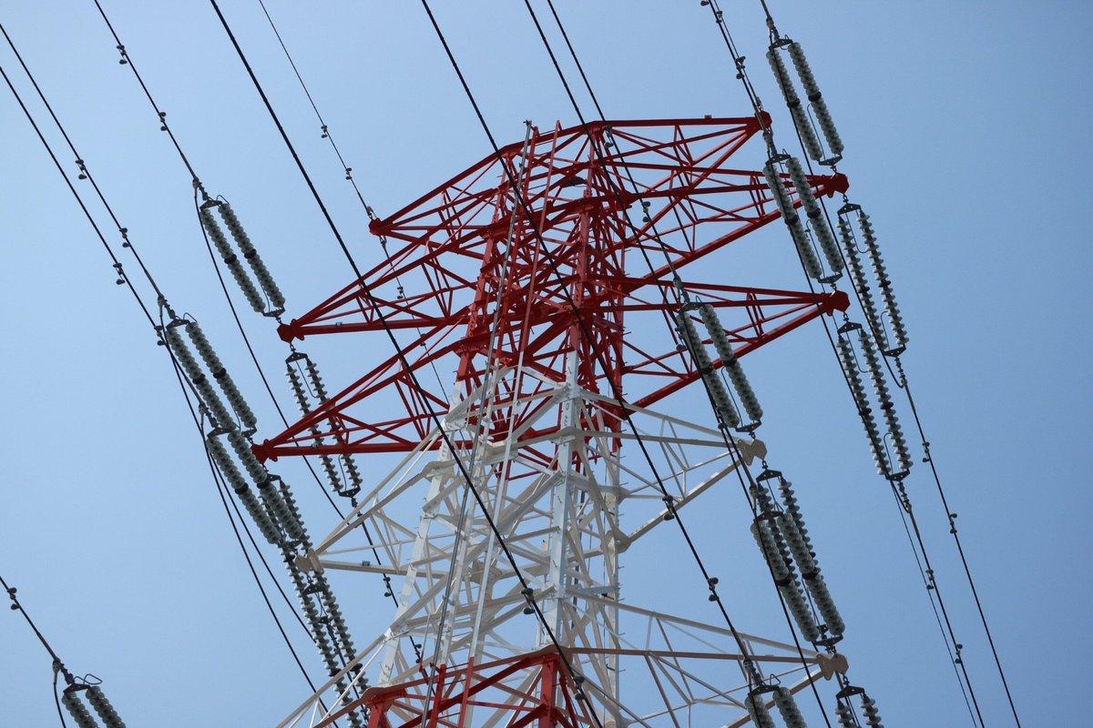 test ツイッターメディア - 尻手黒川道路沿いの送電鉄塔。紅白です。 https://t.co/k93rT0ybg0