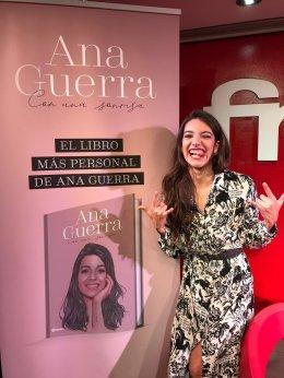 """Ana Guerra on Twitter: """"Por fin ha salido mi libro Con Una Sonrisa ..."""