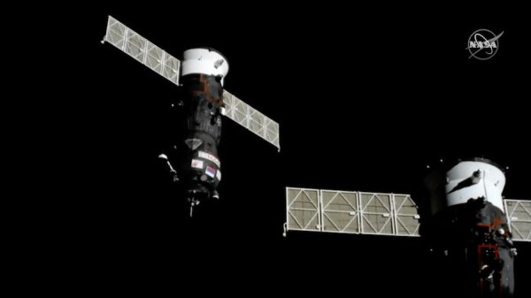progress ms09 set for fasttrack rendezvous with iss - 900×506