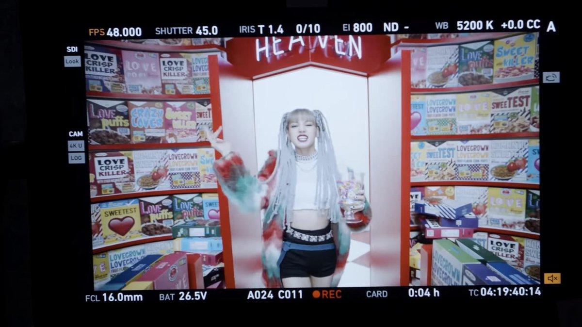 Lisa BLACKPINK 'Kill This Love'