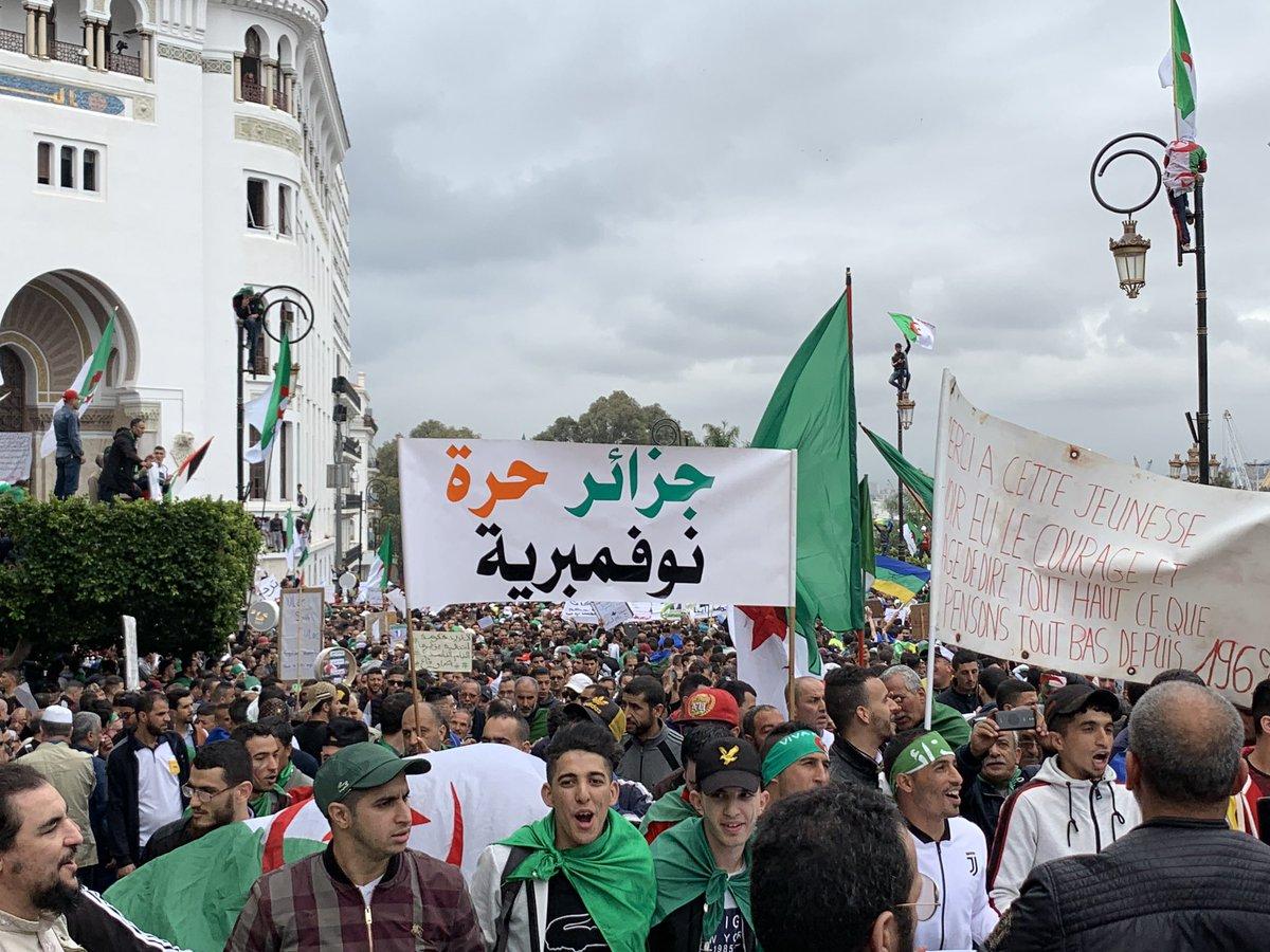 9e vendredi : Les marches populaires imposantes 4