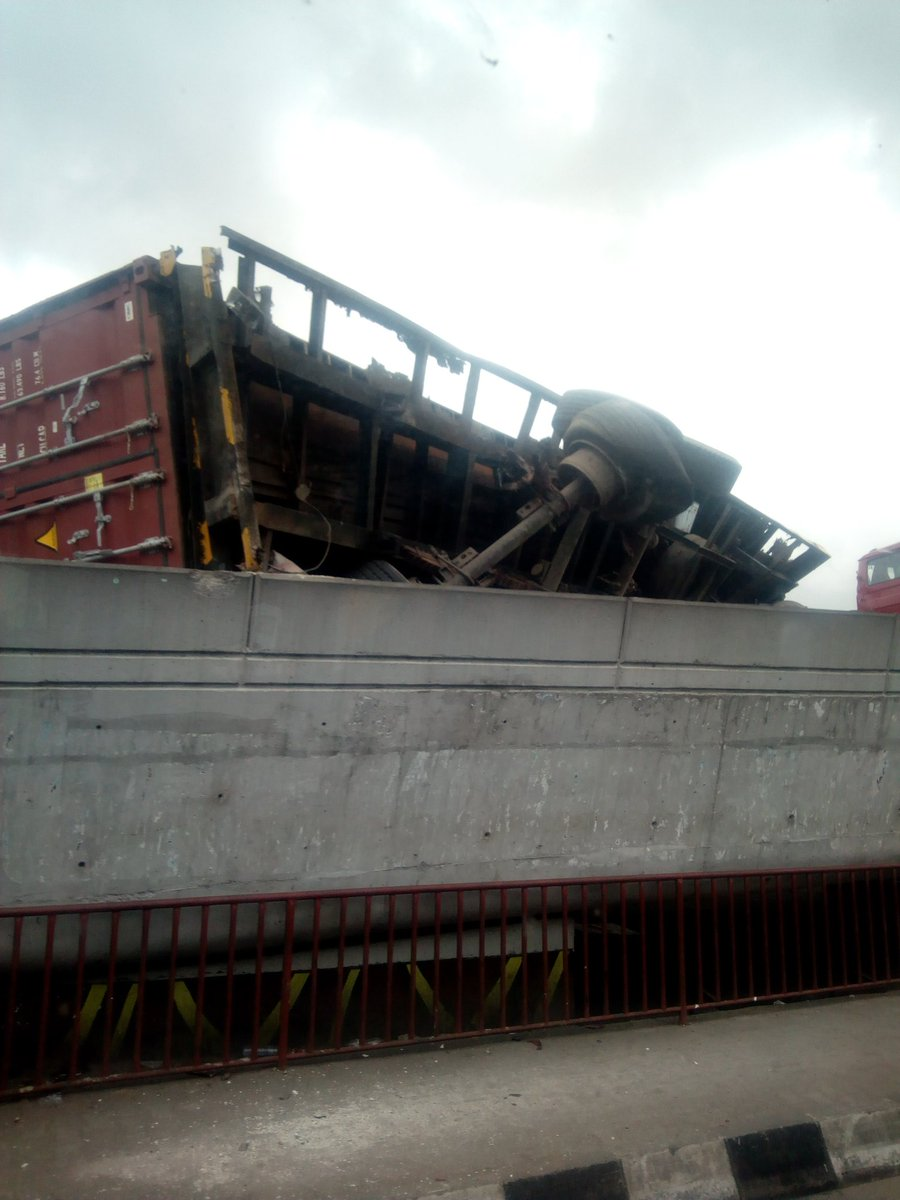 D5 NQ4sWwAA60ef - Just In: Another Container Falls On Ojuelegba Bridge(Photos)