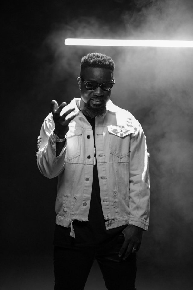 """Archipalago Blasts Sarkodie For Using Guns In """"Legend"""" Video"""