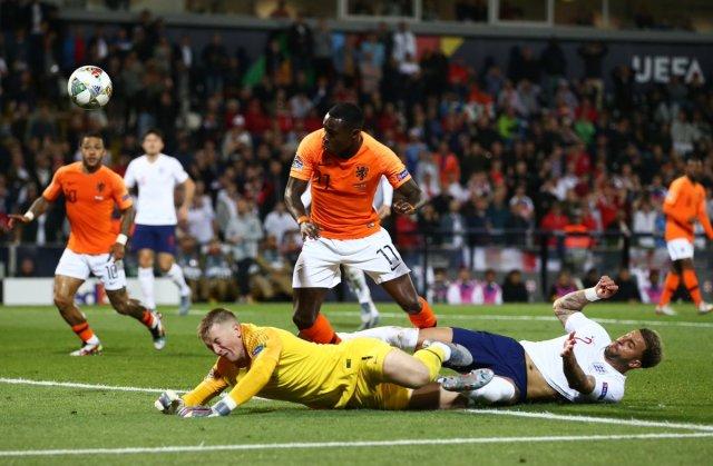 هولندا تقصف إنجلترا لتواجه البرتغال في نهائي دوري الأمم 25