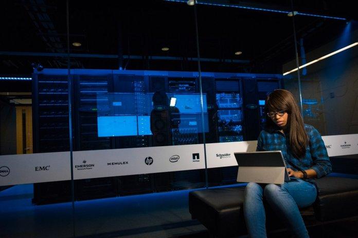 test Twitter Media - Harnessing Data: How to Leverage Big Data to Advance Your Company  #ai #machinelearning #deeplearning #artificialintelligence #bigdata #datascience https://t.co/ZfVwU53Srt https://t.co/yKb5dVQbPu