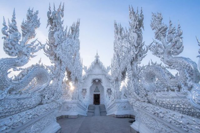 Ватронгкхун или Белый храм (21 фото)