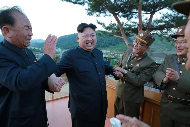test ツイッターメディア - 北朝鮮が弾道ミサイル発射、EEZに落下とみられる=菅官房長官 https://t.co/4L9CMC9lW5 https://t.co/SBue5F6Knz