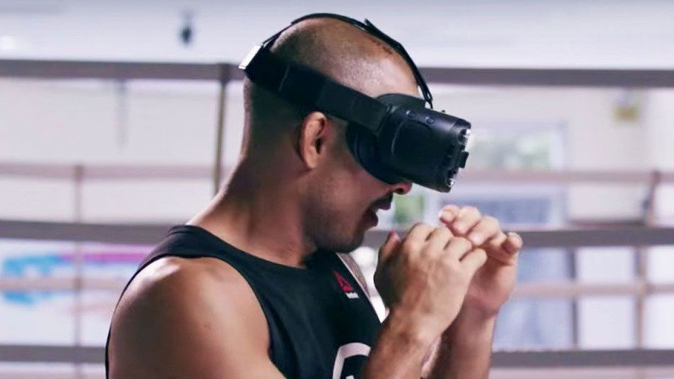 Samsung brings a live UFC fight to virtual reality