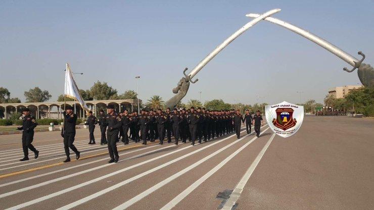 DEwrIeNXYAA8_es Военный парад в честь освобождения Мосула от террористов прошел в Багдаде